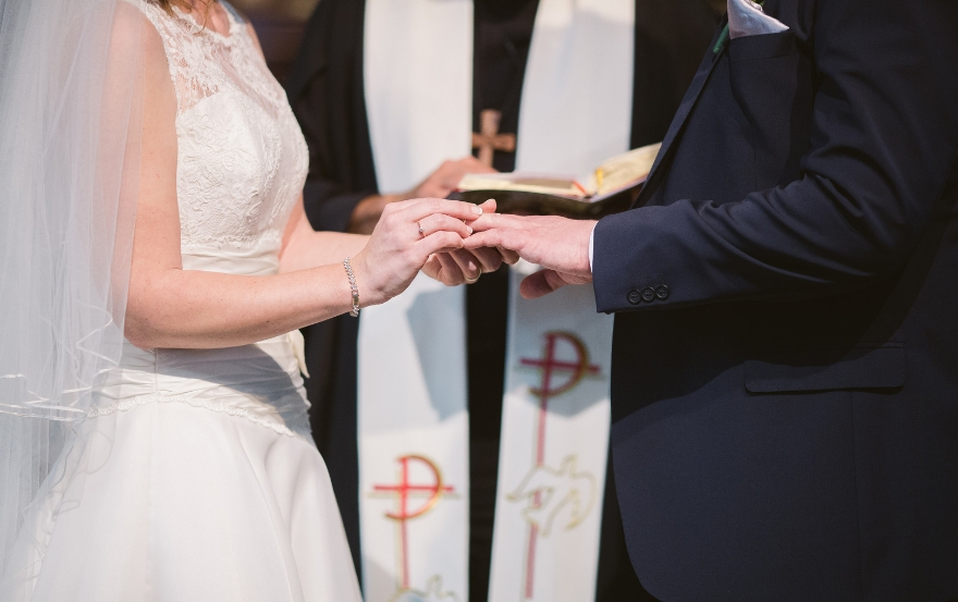 Wedding traditions and superstitions: Bride to the left