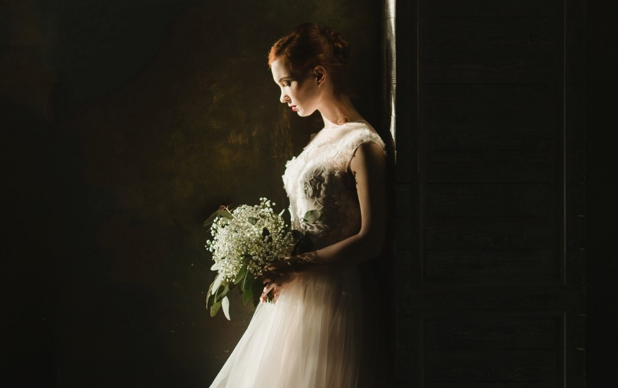 Wedding traditions and superstitions: Crying bride