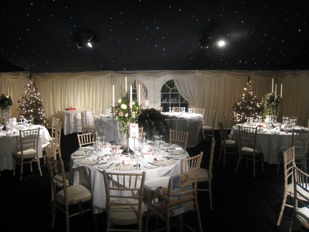 Christmas Wedding Marquee by Richardson Marquees   Confetti.co.uk