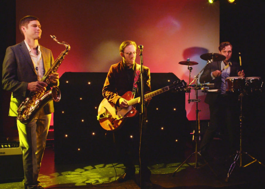 Sheldon Conrich Wedding Entertainment performing with band | Confetti.co.uk