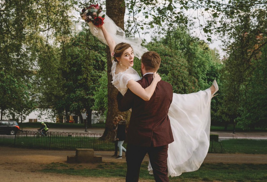 Bride and groom Kristina and Max's Real Wedding at Westminter Abbey | Confetti.co.uk