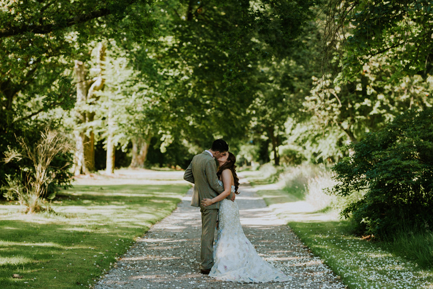 Front Lawn at Mount Stuart – Wedding Photos by rossalexanderphotography