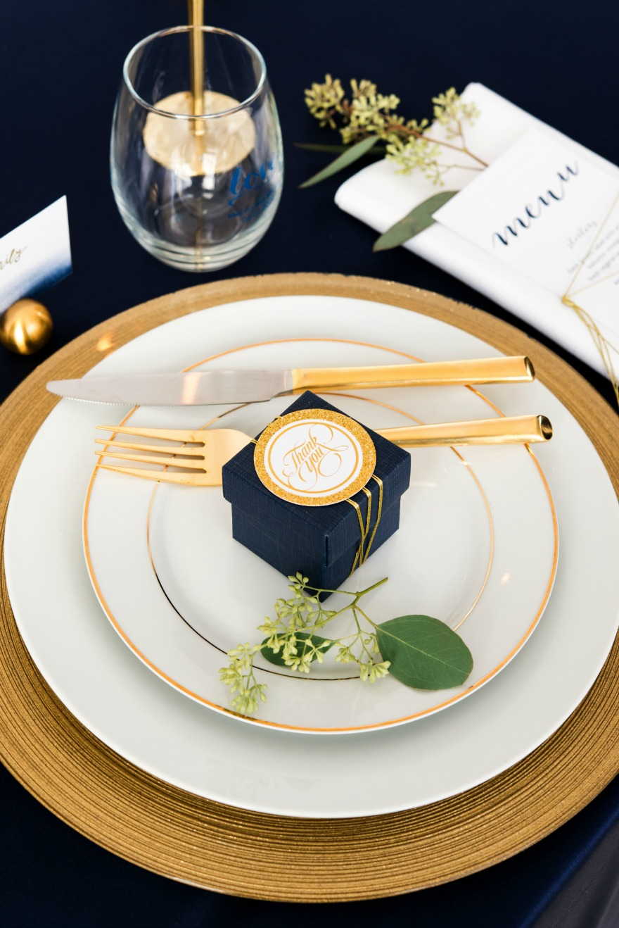 Winter table in navy and gold   Confetti.co.uk
