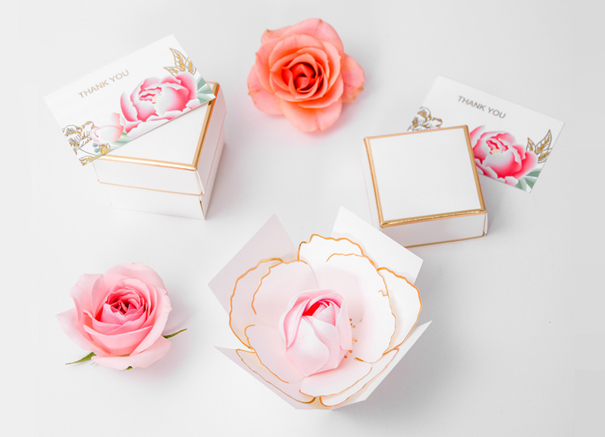 White and Gold Blooming Flower Favour Box | Confetti.co.uk