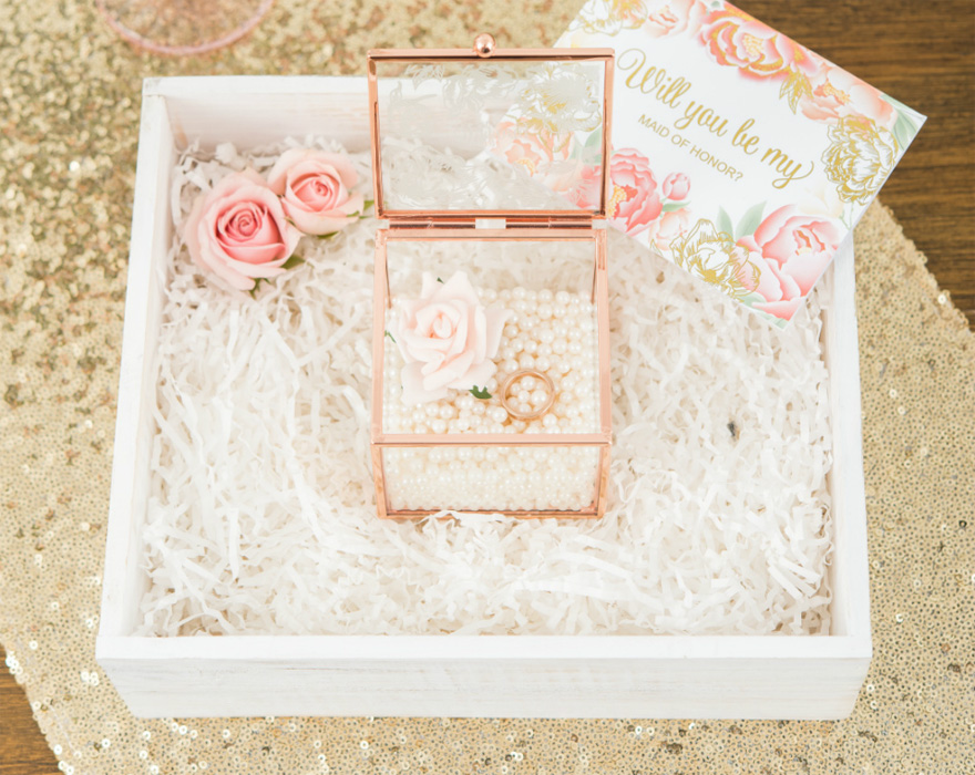 Will You Be My Maid of Honour Gift Box Pearls and Roses   Confetti.co.uk