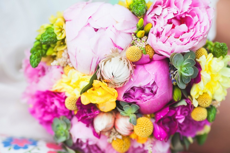 Peony wedding bouquets | Confetti.co.uk