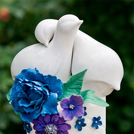 Contemporary Love Birds Cake Topper - Blue and White Floral Wedding Cake   Confetti.co.uk