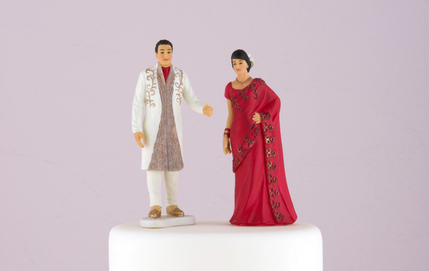 Traditional Indian Bride in Red Sari and Traditional Indian Groom Figurine Cake Toppers   Confetti.co.uk