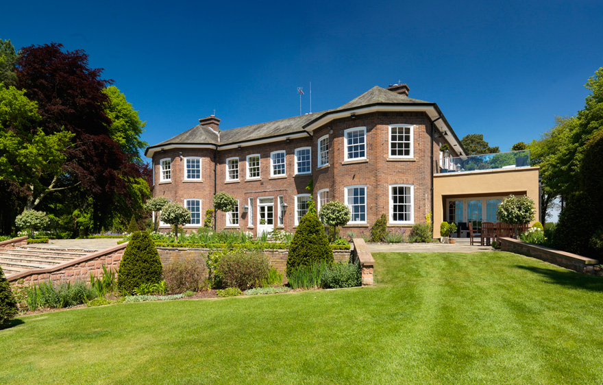 Get Married at Gary Barlow's Old Country House - Delamere Manor House and Steps   Confetti.co.uk