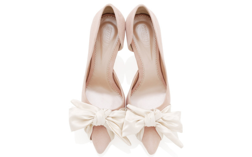 pale-pink-wedding-shoes-with-bows