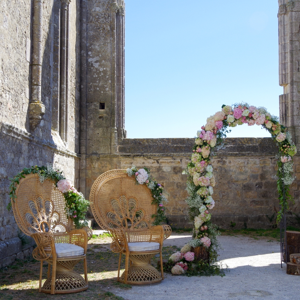 pink-and-cream-floral-wedding-arch