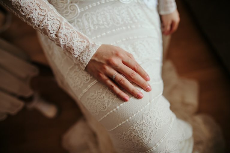 simple-classic-wedding-nails