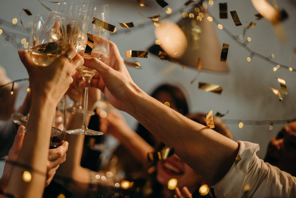 cheers-uk-wedding-restrictions-lifted-celebration
