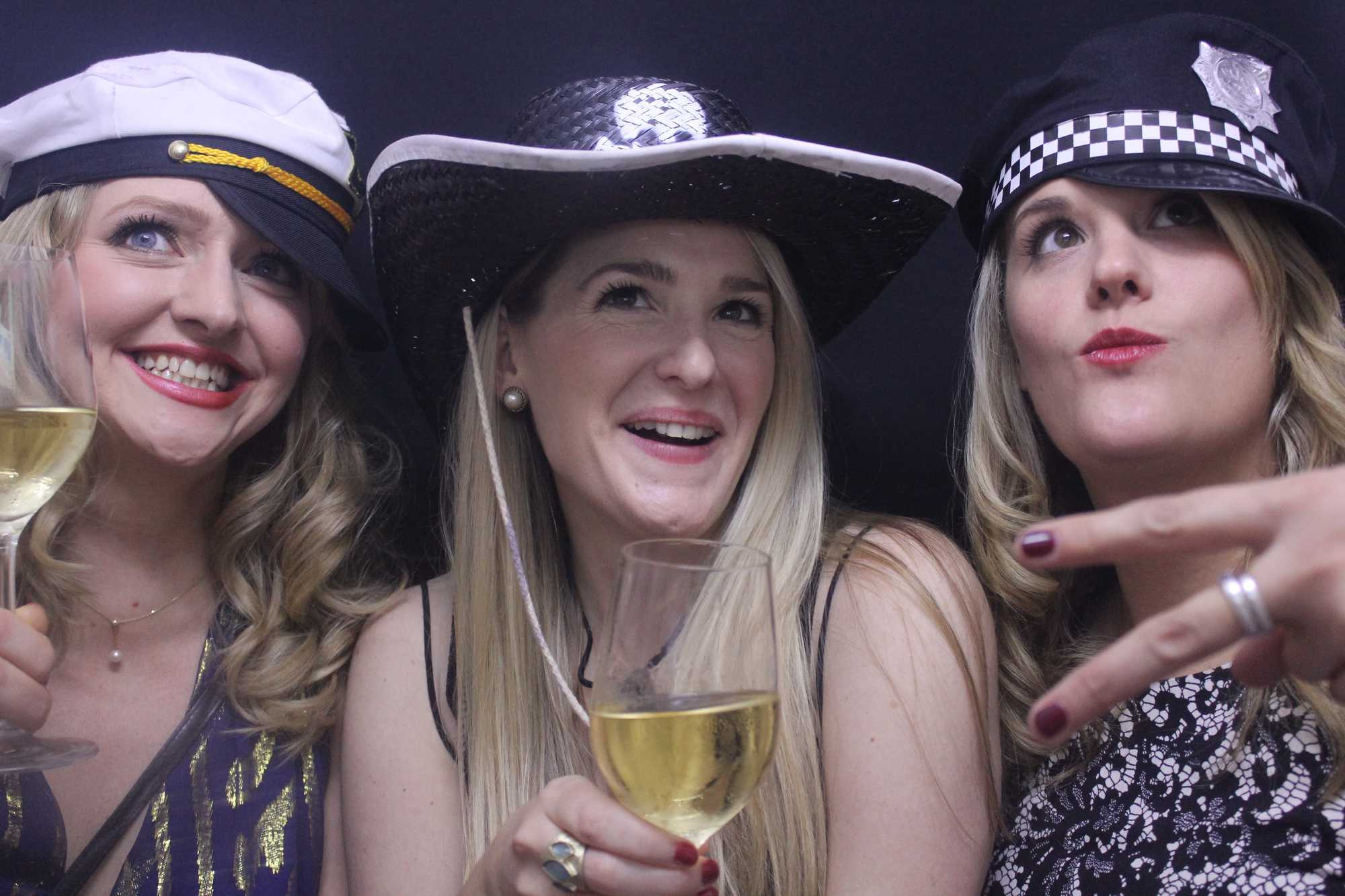 Giggle Booth Wedding Photo & Video Booths