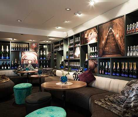 Voltaire Champagne Bar - Crowne Plaza London